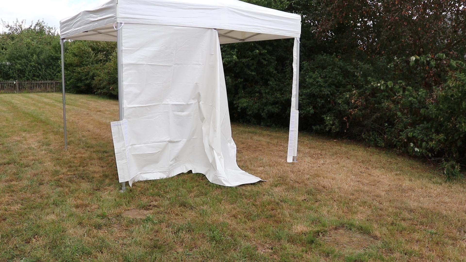 Seitenwand am Miet-Zelt befestigen